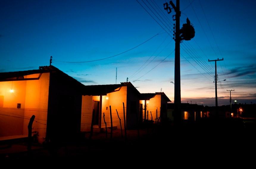 18.10.2010 Luz para Todos (PI)  Instalações elétricas feitas por meio do programa Luz para Todos no Piauí.