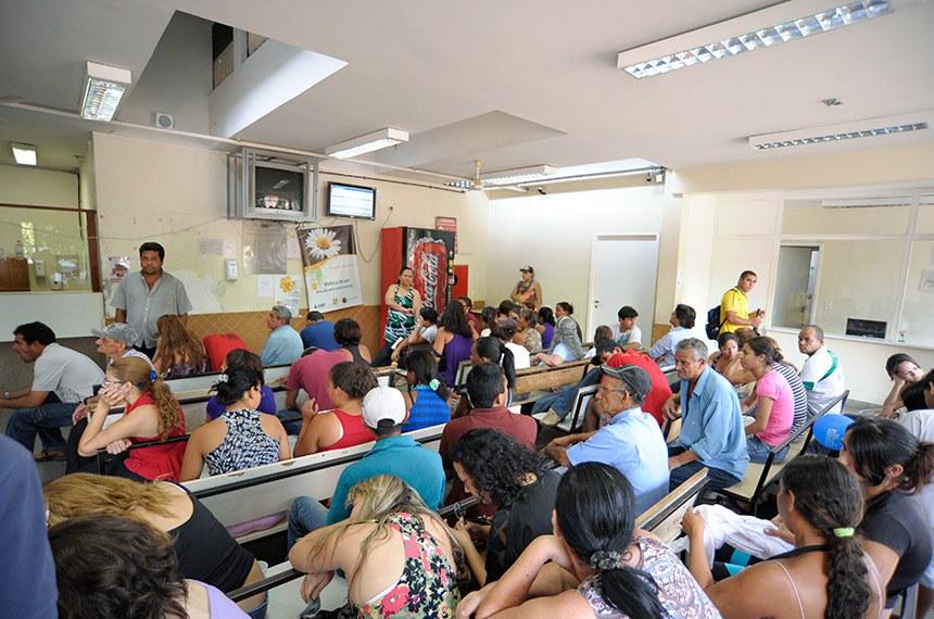 Espera por atendimento no Hospital Regional da Asa Norte (HRAN), em Brasília.