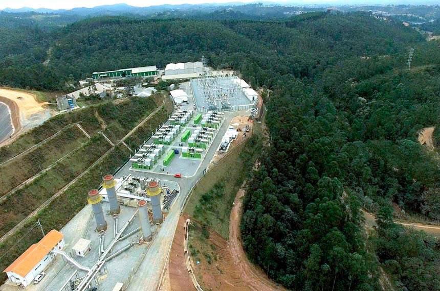 Brazil's largest thermoelectric plant in Brazil powered by renewable fuel was unveiled on Friday (Sept. 16) in Caieiras, Greater São Paulo.  Iinaugurada Termoverde Caieiras, a maior termelétrica movida a biogás de aterro sanitário, situada na Central de Tratamento e Valorização Ambiental da Essencis, empresa localizada na cidade de Caieiras – SP.  A usina é mais um grande investimento do Grupo Solví, que atua nos segmentos de gestão de resíduos, saneamento e energia renovável.  Foto: Termoverde Caieiras/Divulgação