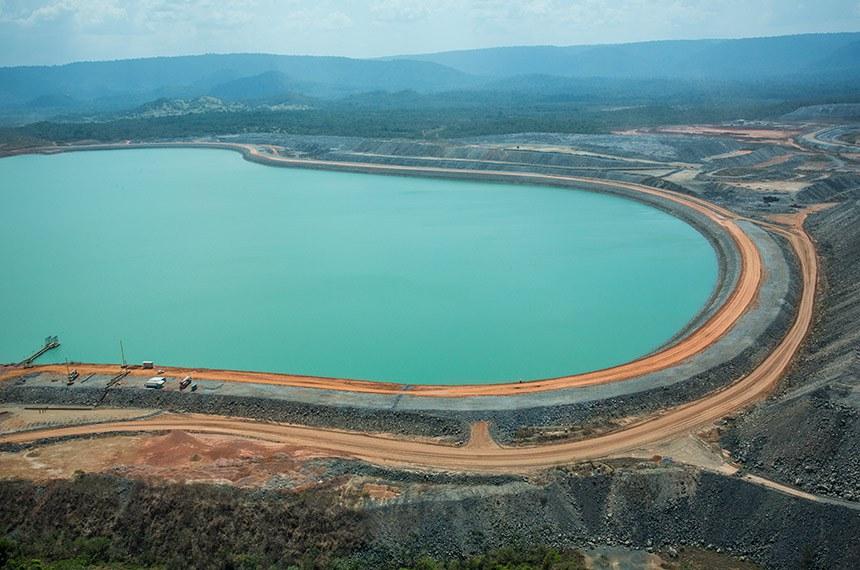 Barragem na mina do Sossego Barragem na mina de cobre do Sossego, no Pará. Créditos: Agência Vale Canaã dos Carajás (PA), 29/08/2012 – Complexo Sossego, minas de cobre.  Foto: © Marcelo Coelho.