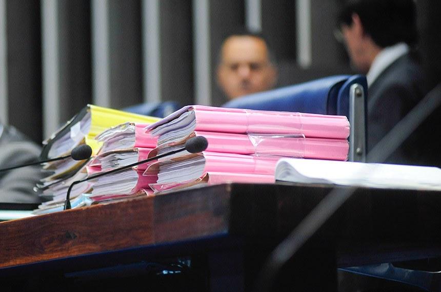 Plenário do Senado durante sessão deliberativa ordinária.  À mesa, senador Paulo Paim (PT-RS).  Foto: Pedro França/Agência Senado