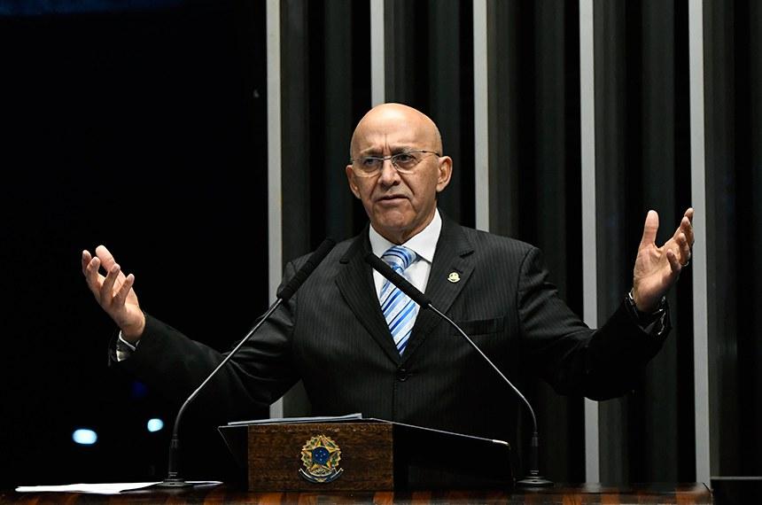 Plenário do Senado Federal durante sessão não deliberativa.   Em discurso, à tribuna, senador Confúcio Moura (MDB-RO).  Foto: Edilson Rodrigues/Agência Senado