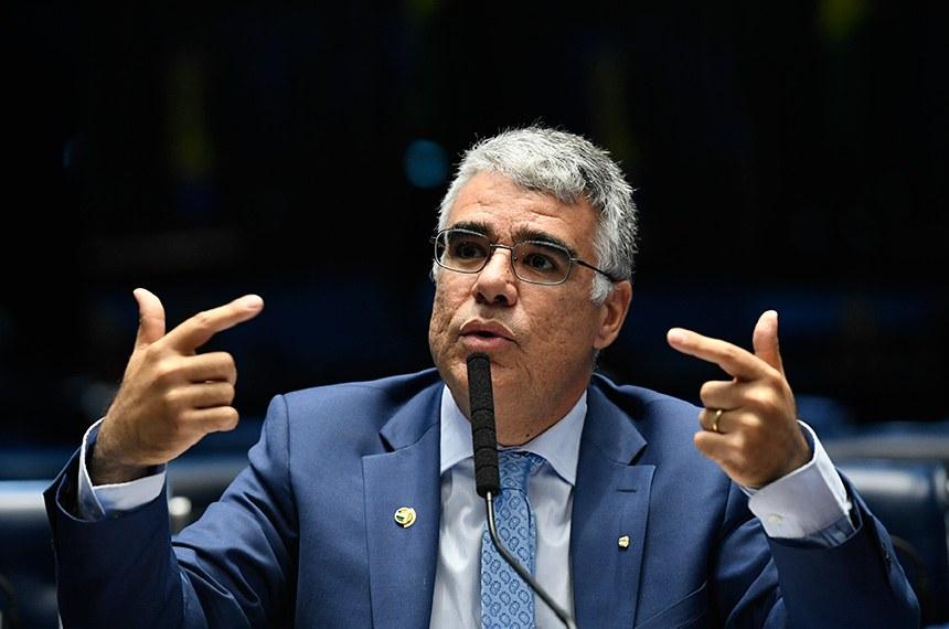 Plenário do Senado Federal durante sessão não deliberativa.   Em pronunciamento, à bancada, senador Eduardo Girão (Pode-CE).  Foto: Edilson Rodrigues/Agência Senado