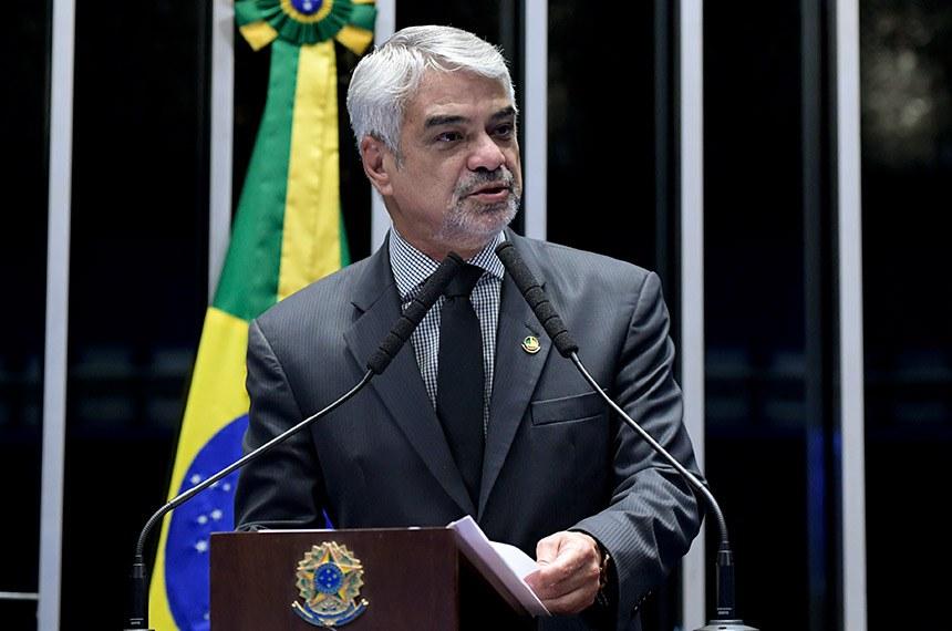 Plenário do Senado Federal durante sessão deliberativa ordinária.   Em discurso, à tribuna, senador Humberto Costa (PT-PE).  Foto: Roque de Sá/Agência Senado