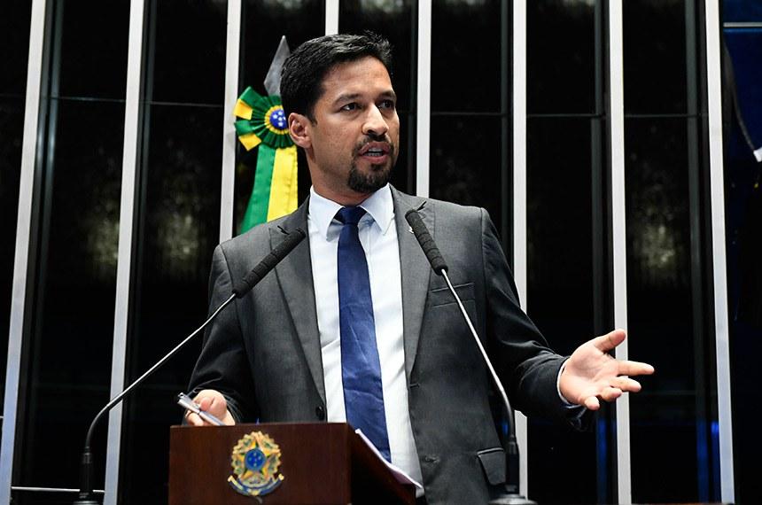 Plenário do Senado Federal durante sessão deliberativa ordinária.   Em discurso, à tribuna, senador Rodrigo Cunha (PSDB-AL).  Foto: Roque de Sá/Agência Senado