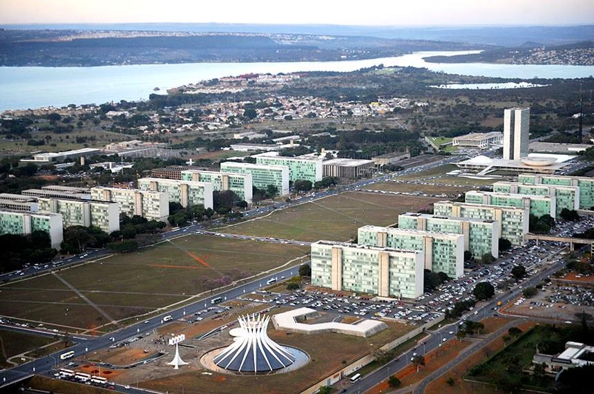 Vista aérea da Esplanada dos Ministérios em Brasília-DF.  Foto: Ana Volpe/Agência Senado