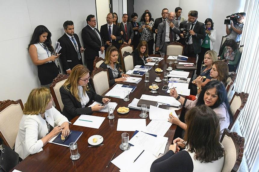 Reunião da bancada feminina no Senado Federal.  Participam:  Foto: Marcos Oliveira/Agência Senado