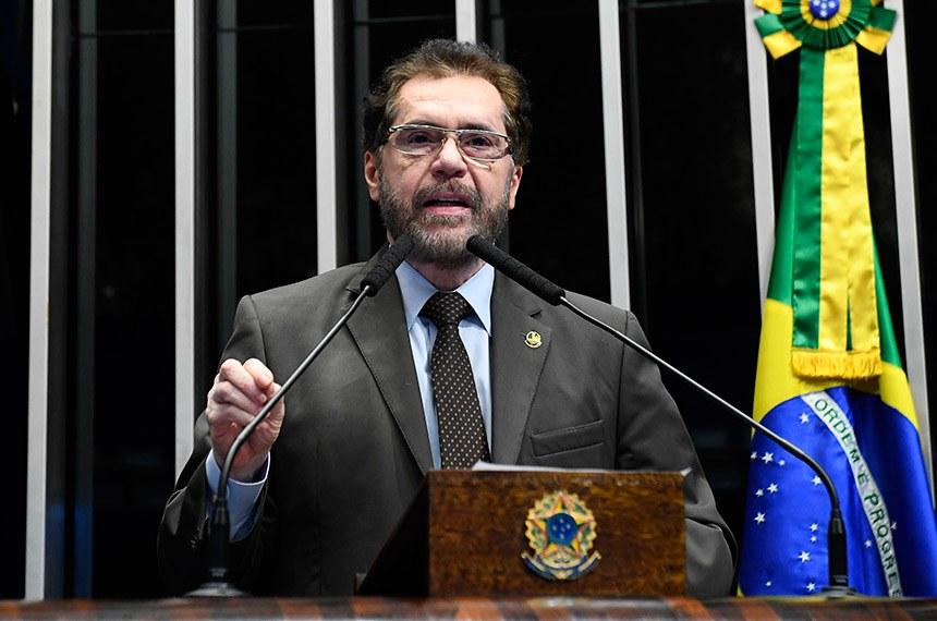 Plenário do Senado Federal durante sessão deliberativa ordinária.   Em discurso, senador Plínio Valério (PSDB-AM).   Foto: Roque de Sá/Agência Senado