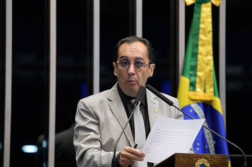 Plenário do Senado Federal durante sessão deliberativa extraordinária.  Em discurso, à tribuna, senador Jorge Kajuru (PSB-GO).   Foto: Pedro França/Agência Senado