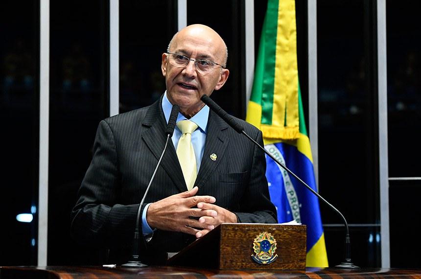 Plenário do Senado Federal durante sessão não deliberativa.   Em discurso, à tribuna, senador Confúcio Moura (MDB-RO).  Foto: Marcos Oliveira/Agência Senado