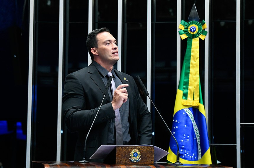 Plenário do Senado Federal durante sessão não deliberativa.   Em discurso, à tribuna, senador Styvenson Valentim (Pode-RN).  Foto: Marcos Oliveira/Agência Senado