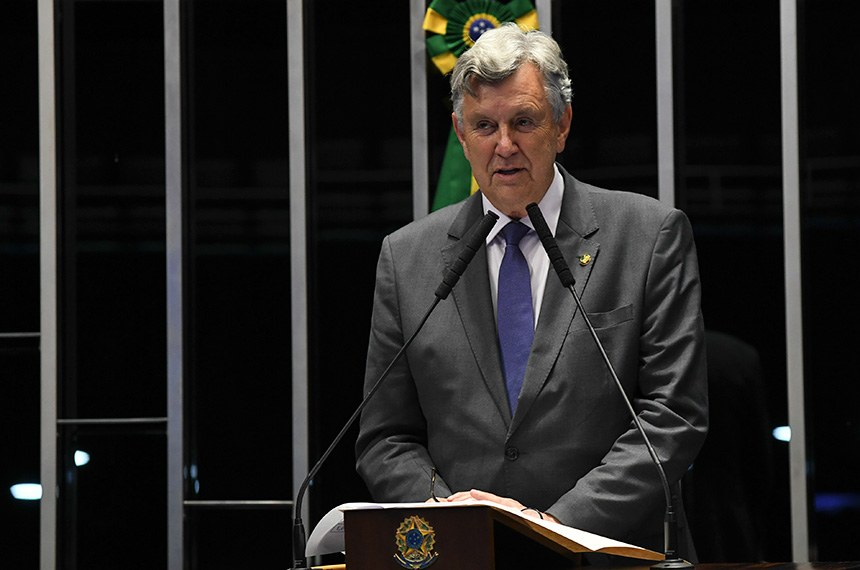 Plenário do Senado Federal durante sessão deliberativa ordinária.   Em discurso, à tribuna, senador Luis Carlos Heinze (PP-RS).  Foto: Jefferson Rudy/Agência Senado