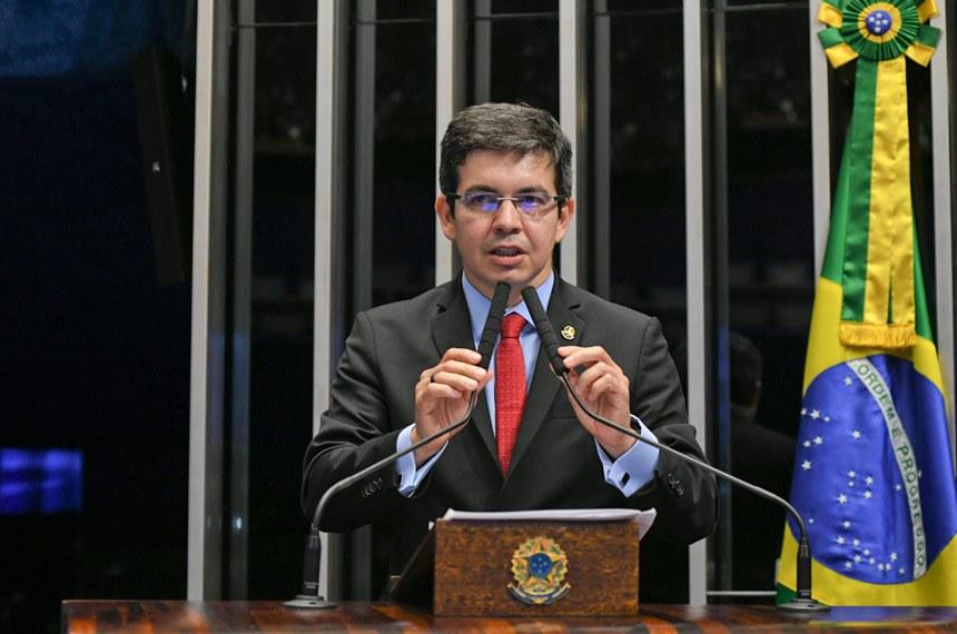 Plenário do Senado Federal durante sessão deliberativa ordinária.   Em discurso, à tribuna, senador Randolfe Rodrigues (Rede-AP).  Foto: Jefferson Rudy/Agência Senado