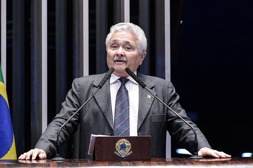 Plenário do Senado Federal durante sessão não deliberativa.   Em discurso, à tribuna, senador Elmano Férrer (Pode-PI).  Foto: Waldemir Barreto/Agência Senado