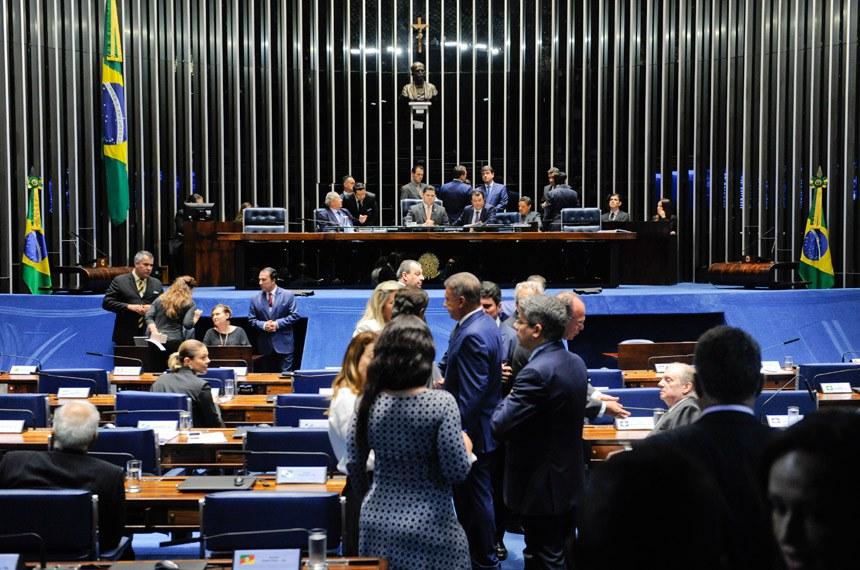 Plenário do Senado Federal durante sessão deliberativa ordinária. Ordem do dia.  Mesa: senador Jayme Campos (DEM-MT); presidente do Senado, senador Davi Alcolumbre (DEM-AP); senador Eduardo Braga (MDB-AM).  Foto: Jonas Pereira/Agência Senado