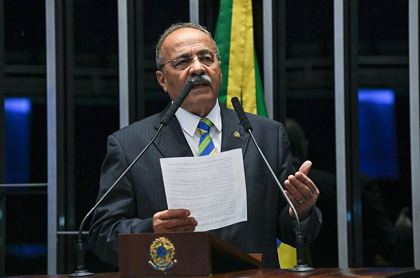 Plenário do Senado Federal durante sessão deliberativa ordinária.   Em discurso, à tribuna, senador Chico Rodrigues (DEM-RR).  Foto: Jefferson Rudy/Agência Senado