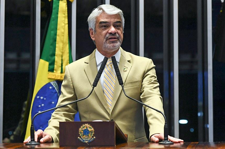 Plenário do Senado Federal durante sessão deliberativa ordinária.   Em discurso, à tribuna, senador Humberto Costa (PT-PE).  Foto: Jefferson Rudy/Agência Senado