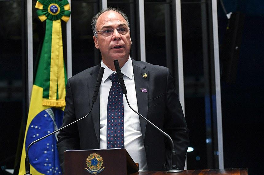 Plenário do Senado Federal durante sessão deliberativa ordinária.   À tribuna em discurso, senador Fernando Bezerra Coelho (MDB-PE).   Foto: Jefferson Rudy/Agência Senado