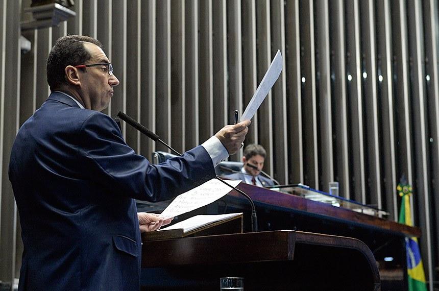 Plenário do Senado Federal durante sessão não deliberativa.   À mesa, senador Marcos do Val (PPS-ES).  Em discurso, à tribuna, senador Jorge Kajuru (PSB-GO).  Foto: Roque de Sá/Agência Senado