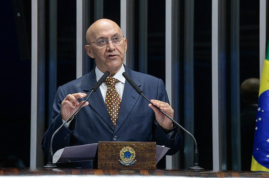 Plenário do Senado Federal durante sessão deliberativa extraordinária.   Em discurso, à tribuna, senador Confúcio Moura (MDB-RO).   Foto: Roque de Sá/Agência Senado