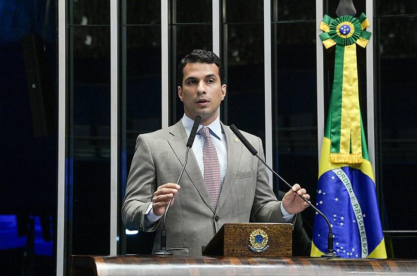 Plenário do Senado Federal durante sessão deliberativa extraordinária.   Em discurso, à tribuna, senador Irajá (PSD-TO).  Foto: Roque de Sá/Agência Senado