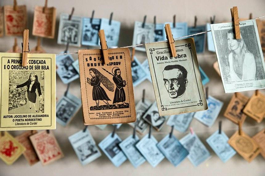 Visita a Biblioteca Publica Epifânio Dória em Aracaju, durante o Encontro de mobilização dos cordelistas em prol do Registro da Literatura de Cordel como patrimônio cultural brasileiro, no Museu da Gente Sergipana em Aracaju, Sergipe.