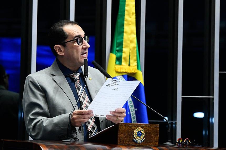 Plenário do Senado Federal durante sessão não deliberativa.   Em discurso, à tribuna, senador Jorge Kajuru (PSB-GO).  Foto: Marcos Oliveira/Agência Senado
