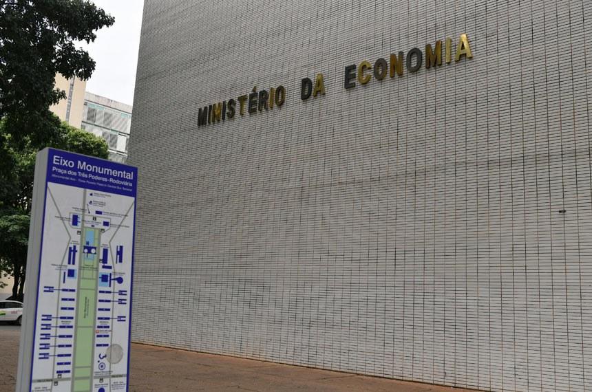 Ministério da Economia anuncia bloqueio de R$ 29,8 bilhões nas ...