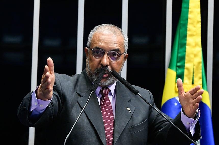 Plenário do Senado Federal durante sessão não deliberativa.   Em discurso, à tribuna, senador Paulo Paim (PT-RS).  Foto: Marcos Oliveira/Agência Senado
