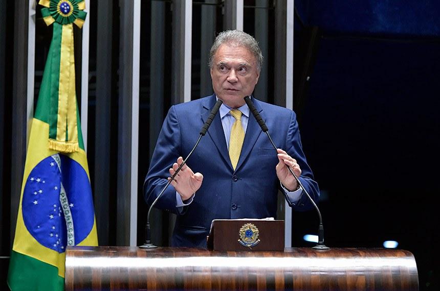 Plenário do Senado Federal durante sessão não deliberativa.   Em discurso, à tribuna, senador Alvaro Dias (Pode-PR).  Foto: Waldemir Barreto/Agência Senado