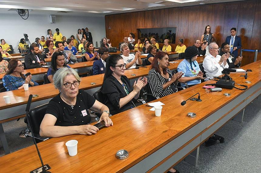 """Comissão de Direitos Humanos e Legislação Participativa (CDH) realiza audiência pública interativa para tratar sobre: """"O Dia Internacional de Conscientização do Autismo"""".  Foto: Jefferson Rudy/Agência Senado"""