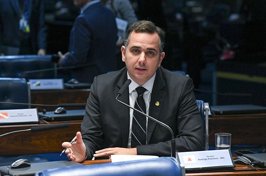 Plenário do Senado Federal durante sessão deliberativa ordinária.   Em pronunciamento, à bancada, senador Rodrigo Pacheco (DEM-MG).  Foto: Jefferson Rudy/Agência Senado
