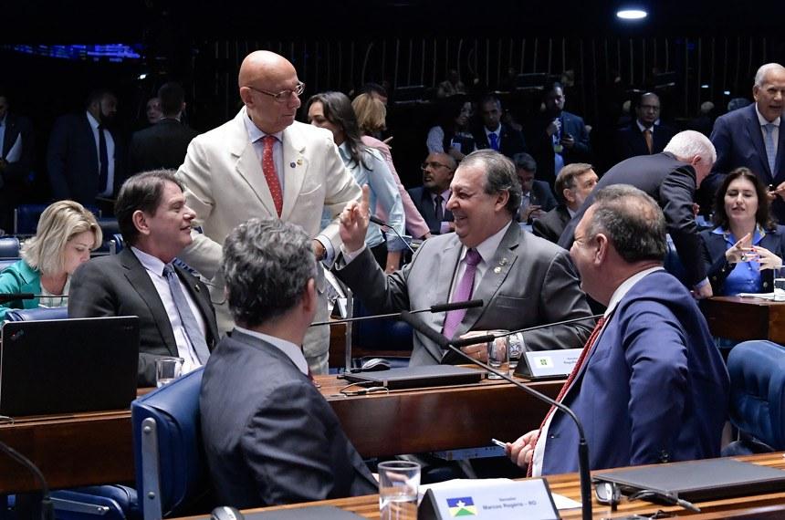 Plenário do Senado Federal durante sessão deliberativa ordinária. Ordem do dia.   Bancada: senador Cid Gomes (PDT-CE); senador Esperidião Amin (PP-SC);  senador Lucas Barreto (PSD-AP); senador Omar Aziz (PSD-AM); senador Rogério Carvalho Santos (PT-SE).  Foto: Waldemir Barreto/Agência Senado
