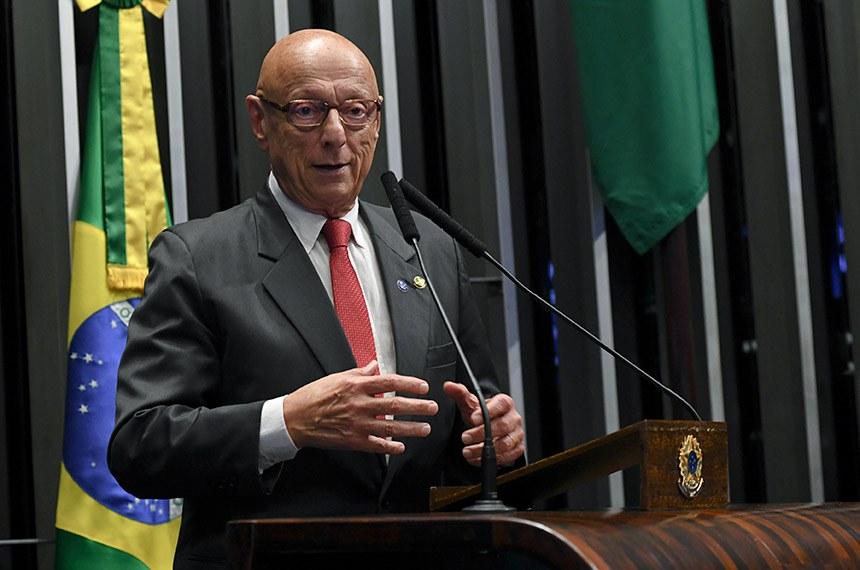 Plenário do Senado Federal durante sessão não deliberativa.   Em discurso, à tribuna, senador Esperidião Amin (PP-SC).  Foto: Jefferson Rudy/Agência Senado