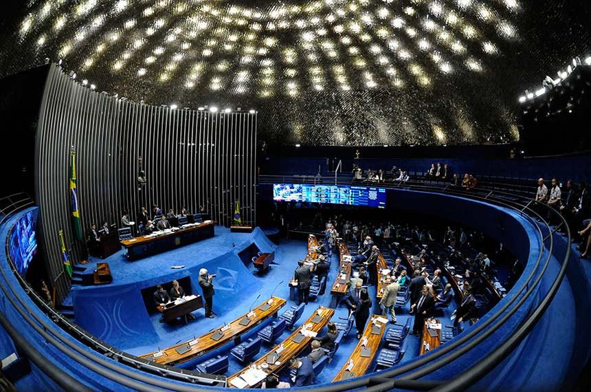 Plenário do Senado Federal durante sessão deliberativa ordinária.   Presidente do Senado Federal, senador Davi Alcolumbre (DEM-AP) à mesa conduz sessão.  Foto: Jonas Pereira/Agência Senado