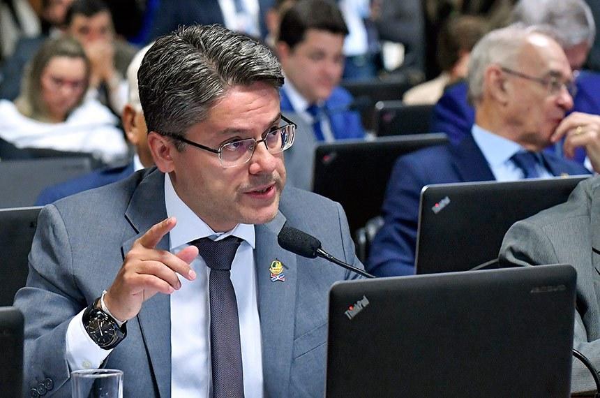 Senador Alessandro Vieira apresentou voto em separado para que seu requerimento de criação da CPI fosse acatado parcialmente