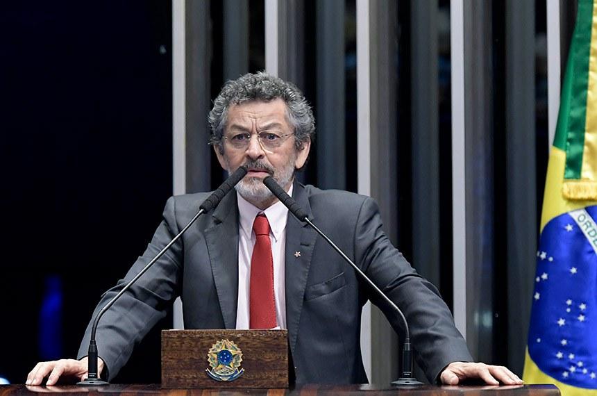 Plenário do Senado Federal durante sessão deliberativa ordinária.   Em discurso, à tribuna, senador Paulo Rocha (PT-PA).  Foto: Waldemir Barreto/Agência Senado