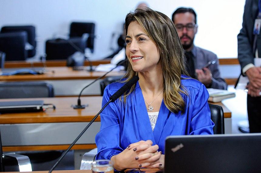 Comissão de Direitos Humanos e Legislação Participativa (CDH) realiza audiência pública para tratar sobre a situação da saúde indígena.  À bancada, senadora Soraya Thronicke (PSL-MS).  Foto: Jane de Araújo/Agência Senado