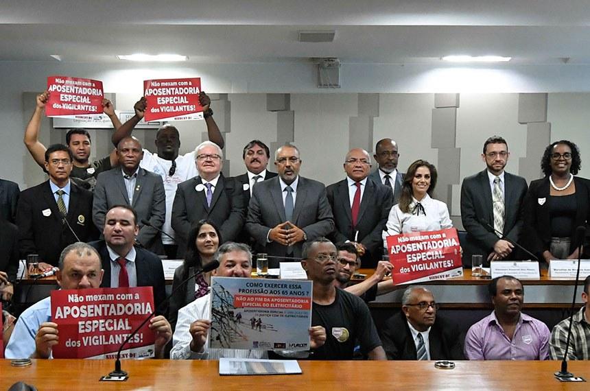 Comissão de Direitos Humanos e Legislação Participativa (CDH) realiza audiência pública para tratar sobre: