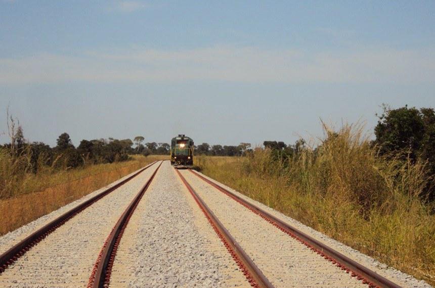 11.08.2014 Ferrovia Norte-Sul  Ferrovia Norte-Sul - subtrecho Palmas/TO - Anápolis/GO.     Foto: Divulgação / agosto de 2014