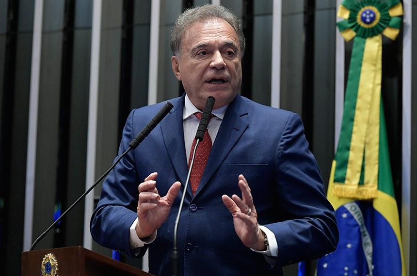 Plenário do Senado Federal durante sessão deliberativa ordinária.   À tribuna, em discurso, senador Alvaro Dias (Pode-PR).  Foto: Waldemir Barreto/Agência Senado