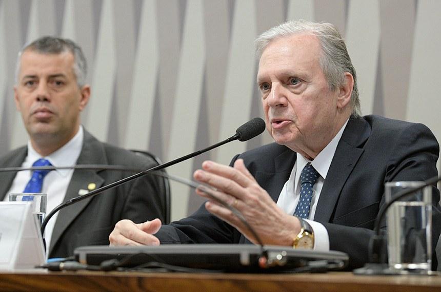 Senador Tasso Jereissati é o relator da medida provisória, sugerindo alterações no texto original, para prever diretrizes e critérios para, por exemplo, fixar preços de serviços de água e esgoto