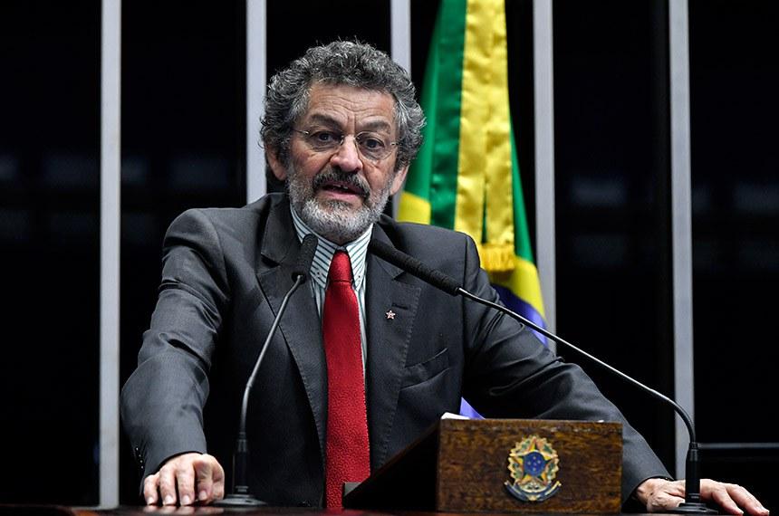 Plenário do Senado Federal durante sessão deliberativa ordinária.   Em discurso, à tribuna, senador Paulo Rocha (PT-PA).  Foto: Geraldo Magela/Agência Senado