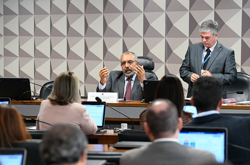 Comissão de Direitos Humanos, presidida por Paulo Paim, retoma debates sobre impactos da reforma