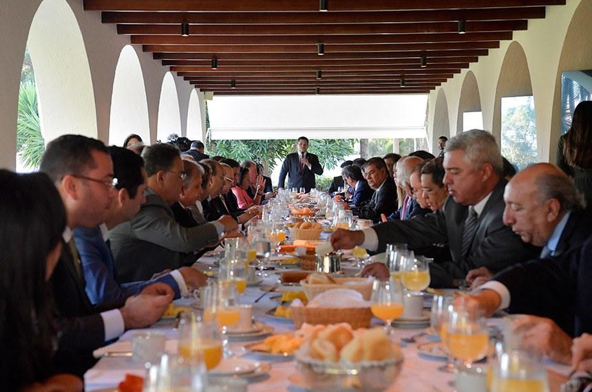 08.05.2019 O presidente do Senado Federal, Davi Alcolumbre (DEM-AP) participa de café da manhã com o presidente Jair Bolsonaro , governadores de estados para tratar do Pacto Federativo.