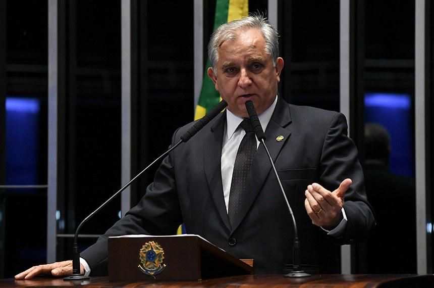 Plenário do Senado Federal durante sessão não deliberativa.   À tribuna, em discurso, senador Izalci (PSDB-DF).  Foto: Jefferson Rudy/Agência Senado