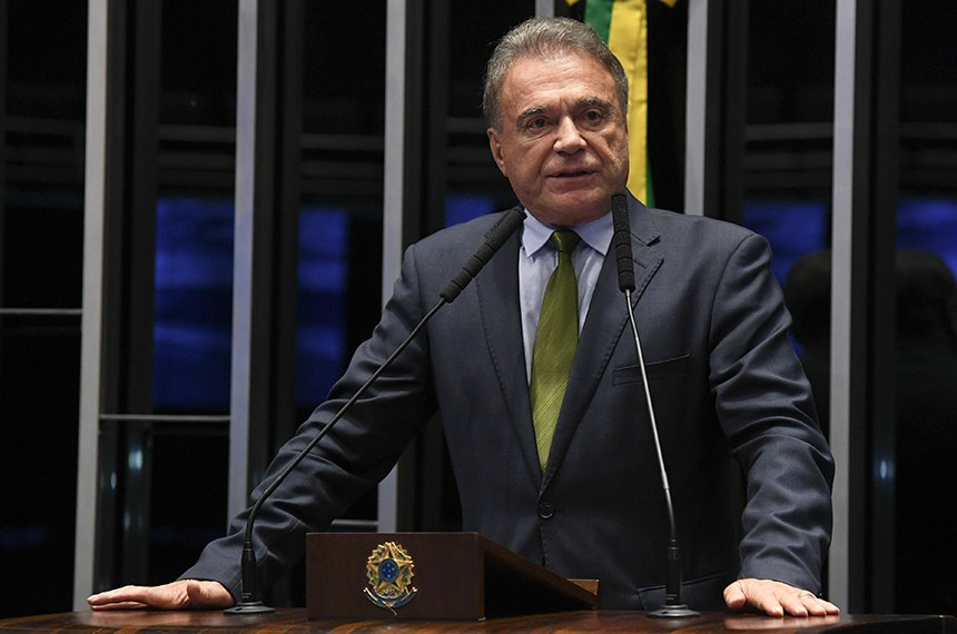 Plenário do Senado Federal durante sessão deliberativa ordinária.   Em discurso, à tribuna, senador Alvaro Dias (Pode-PR).  Foto: Jefferson Rudy/Agência Senado