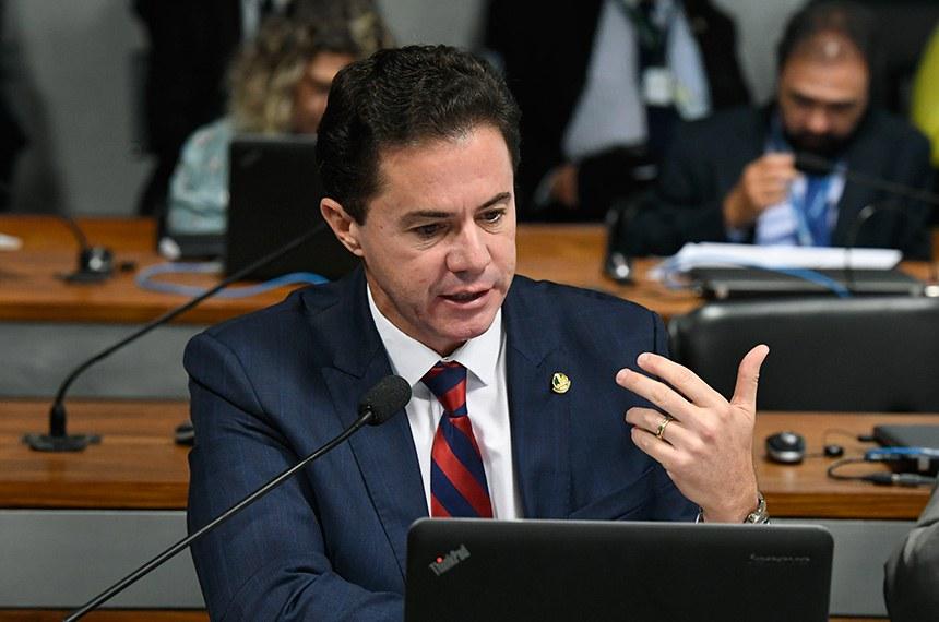 Comissão de Desenvolvimento Regional e Turismo (CDR) realiza reunião deliberativa com 11 itens, entre eles, o PLC 34/2018, que exige adequação ambiental para casas populares.  Em pronunciamento, senador Veneziano Vital do Rêgo (PSB-PB).  Foto: Edilson Rodrigues/Agência Senado