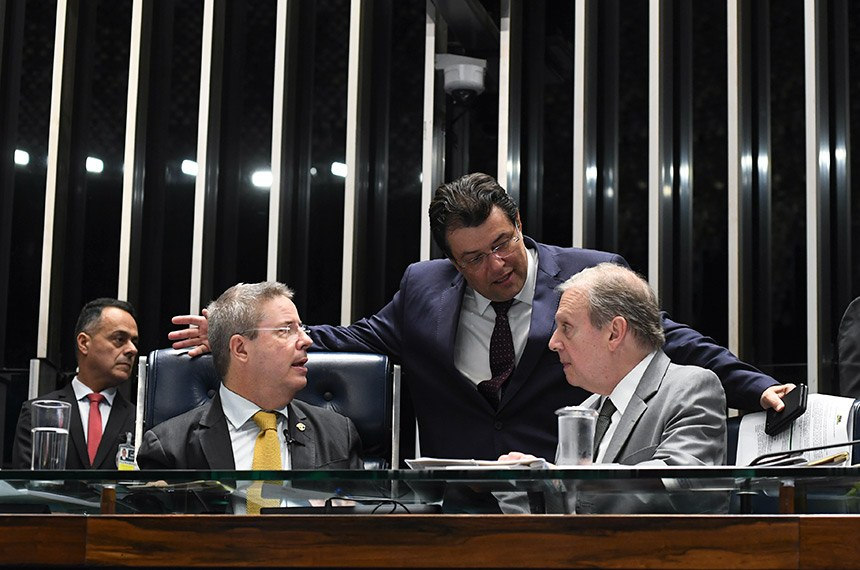 Plenário do Senado Federal durante sessão deliberativa ordinária. Ordem do dia.  Mesa: vice-presidente do Senado, senador Antonio Anastasia (PSDB-MG);  senador Eduardo Braga (MDB-AM); senador Tasso Jereissati (PSDB-CE); senador Randolfe Rodrigues (Rede-AP).  Foto: Jefferson Rudy/Agência Senado