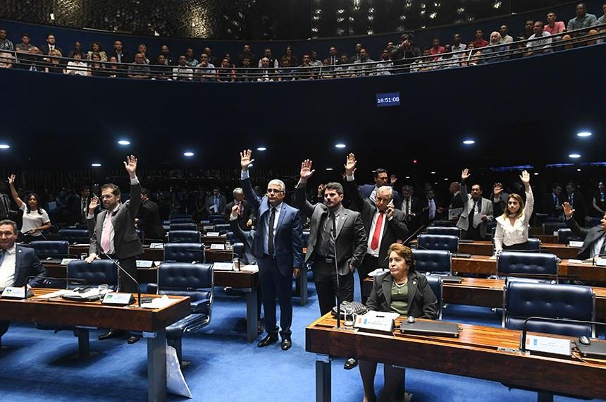 Plenário do Senado Federal durante sessão deliberativa ordinária. Ordem do dia.  Plenário em votação. Participam: senador Eduardo Girão (Pode-CE); senador Izalci (PSDB-DF);  senador Styvenson Valentim (Pode-RN); senador Lucas Barreto (PSD-AP); senador Marcos do Val (Cidadania-ES); senador Plínio Valério (PSDB-AM); senadora Renilde Bulhões (Pros-AL); senadora Soraya Thronicke (PSL-MS).  Foto: Jefferson Rudy/Agência Senado